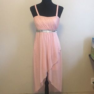 Dresses & Skirts - Sparkly light pink dress